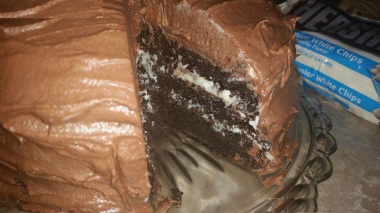 Hershey S Chocolate Cake With Cream Cheese Filling Chocolate Cream Cheese Buttercream Page 2 Alldelish