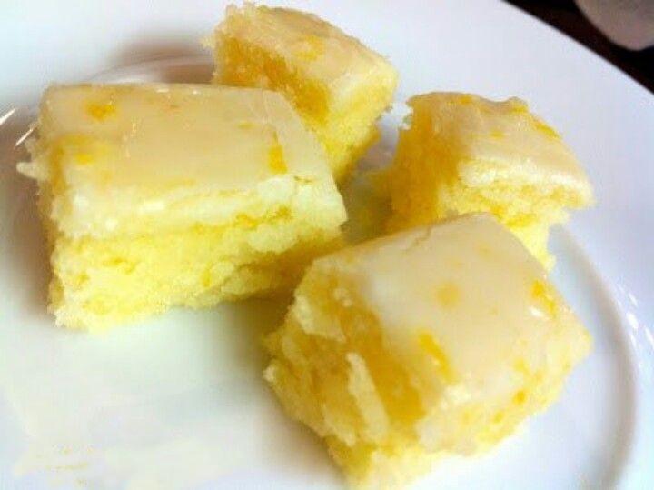 Lemony Lemon Brownies cake